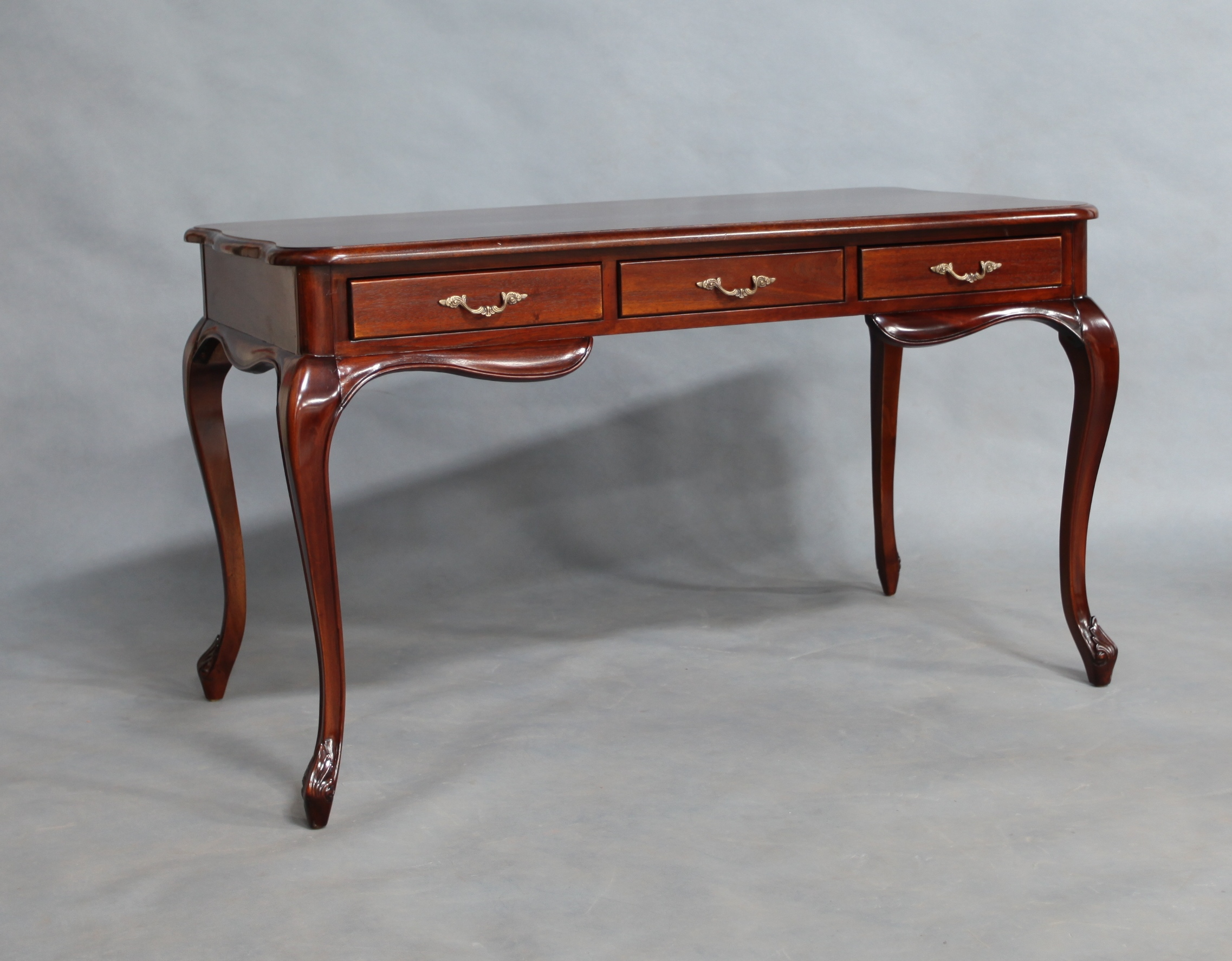 Mahogany Wood Office Desk With 3